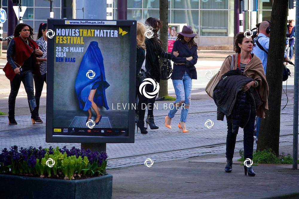 DEN HAAG - De film 'Sex voor 5 Euro' is in premiere gegaan. En Yolanthe Sneijder-Cabau was hierbij aanwezig. FOTO LEVIN DEN BOER - PERSFOTO.NU