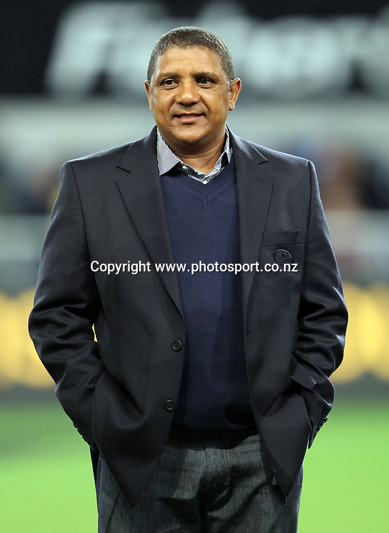Stormers coach Allister Coetzee.<br /> Investec Super Rugby - Highlanders v Stormers, 7 April 2012, Forsyth Barr Stadium, Dunedin, New Zealand.<br /> Photo: Rob Jefferies / photosport.co.nz
