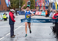 © Licensed to London News Pictures. 23/09/2018. Bristol, UK. MATT CLOWES from Cardiff AAC wins the men's race in The Simplyhealth Great Bristol Half Marathon 2018. Runners compete in the rain on the autumn equinox, the first day of astronomical autumn. Photo credit: Simon Chapman/LNP