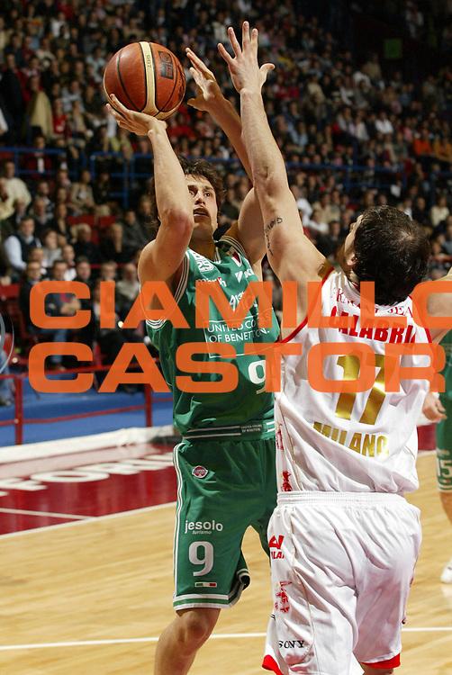 DESCRIZIONE : Milano Lega A1 2006-07 Armani Jeans Milano Benetton Treviso<br /> GIOCATORE : Mordente<br /> SQUADRA : Benetton Treviso<br /> EVENTO : Campionato Lega A1 2006-2007 <br /> GARA : Armani Jeans Milano Benetton Treviso<br /> DATA : 10/12/2006 <br /> CATEGORIA : Tiro<br /> SPORT : Pallacanestro <br /> AUTORE : Agenzia Ciamillo-Castoria/G.Cottini