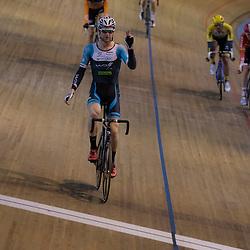 20-12-2015: Wielrennen: NK Baan: Alkmaar<br />ALKMAAR (NED) baanwielrennen  <br />Roy Pieters pakt de titel op de Scratch