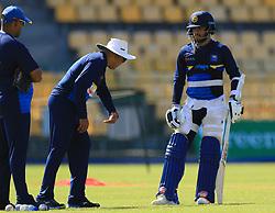 August 11, 2018 - Colombo, Sri Lanka - Sri Lanka cricket team's head coach Chandika Hathurusingha (2L) instructs Sri Lankan cricketer Kusal Mendis (3L)  during a practice session ahead of the 5th One Day International against the South Africa at R. Premadasa International Cricket Stadium, Colombo, Sri Lanka on Saturday 11 August 2018  (Credit Image: © Tharaka Basnayaka/NurPhoto via ZUMA Press)