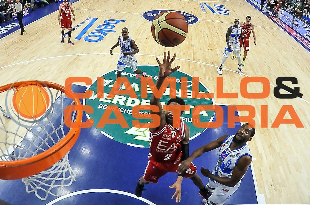 DESCRIZIONE : Campionato 2014/15 Dinamo Banco di Sardegna Sassari - Olimpia EA7 Emporio Armani Milano<br /> GIOCATORE : MarShon Brooks<br /> CATEGORIA : Tiro Penetrazione Special<br /> SQUADRA : Olimpia EA7 Emporio Armani Milano<br /> EVENTO : LegaBasket Serie A Beko 2014/2015<br /> GARA : Dinamo Banco di Sardegna Sassari - Olimpia EA7 Emporio Armani Milano<br /> DATA : 07/12/2014<br /> SPORT : Pallacanestro <br /> AUTORE : Agenzia Ciamillo-Castoria / Luigi Canu<br /> Galleria : LegaBasket Serie A Beko 2014/2015<br /> Fotonotizia : Campionato 2014/15 Dinamo Banco di Sardegna Sassari - Olimpia EA7 Emporio Armani Milano<br /> Predefinita :