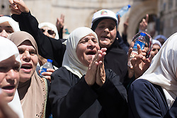 July 27, 2017 - Jerusalem, Israel - Palestinians celebrate on the streets of Jerusalem after Israeli police this morning removed all remaining security from Temple Mount. (Credit Image: © Louise Wateridge/Pacific Press via ZUMA Wire)