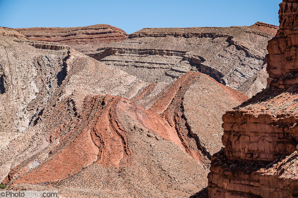 The Raplee Anticline (Lime Ridge), along San Juan River, Mexican Hat, Utah, USA.