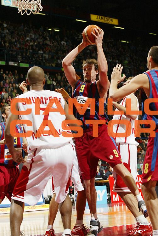 DESCRIZIONE : Milano Eurolega 2005-06 Armani Jeans Milano Winterthur Barcellona<br /> GIOCATORE : Marconato<br /> SQUADRA : Winterthur Barcellona<br /> EVENTO : Eurolega 2005-2006<br /> GARA : Armani Jeans Milano Winterthur Barcellona<br /> DATA : 08/12/2005<br /> CATEGORIA : Rimbalzo<br /> SPORT : Pallacanestro<br /> AUTORE : Agenzia Ciamillo-Castoria/G.Cottini<br /> Galleria : Eurolega 2005-2006<br /> Fotonotizia : Milano Eurolega 2005-2006 Armani Jeans Milano Winterthur Barcellona<br /> Predefinita :