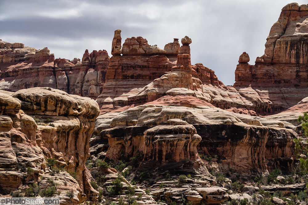 Hike from Chesler Park to Druid Arch, in Needles District of Canyonlands NP, Monticello, Utah, USA.