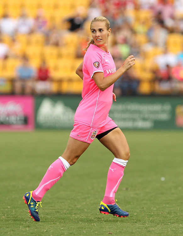 ATLANTA, GA - AUGUST 06:  Defender Heather Mitts #2 of the Atlanta Beat looks for a pass during the Women's Professional Soccer game between the Atlanta Beat and the Western New York Flash at Kennesaw State University Soccer Stadium on August 6, 2011 in Atlanta, Georgia.  (Photo by Mike Zarrilli/Getty Images)