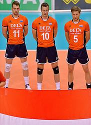 31-05-2015 NED: CEV EK Kwalificatie Nederland - Spanje, Doetinchem<br /> Nederland wint met 3-1 van Spanje en plaatst zich voor het EK in Bulgarije en Italie / Dick Kooy #11, Jeroen Rauwerdink #10, Jelte Maan #5