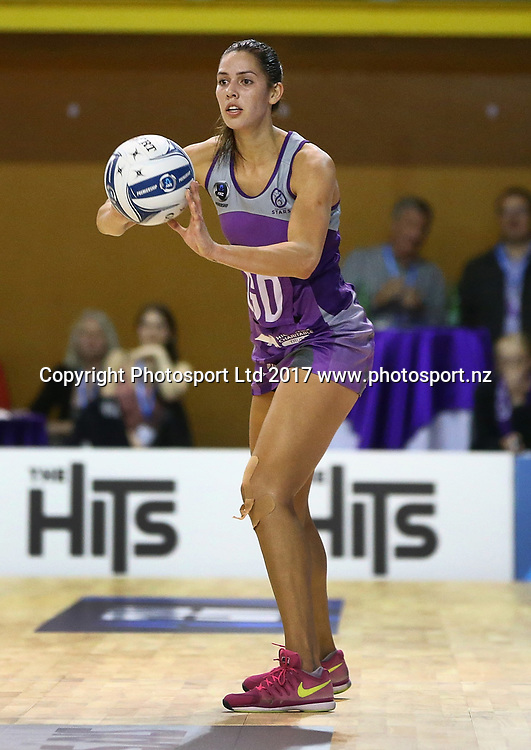 Kayla Cullen of the Stars in the ANZ Premiership netball match between the Northern Stars and Skycity Mystics at ASB Kohimarama, Auckland, New Zealand,   Wednesday, May 17, 2017. Copyright photo: David Rowland / www.photosport.nz