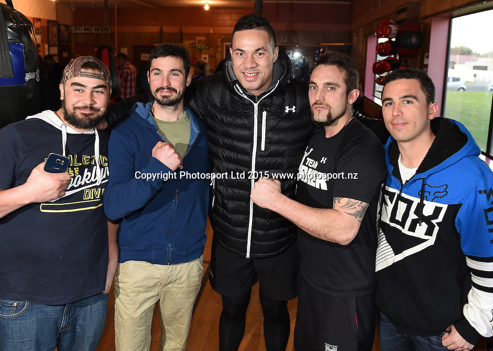 New Zealand Heavyweight boxer Joseph Parker with local crayfish fishermen during a training session ahead of the Burger King Road to the Title fight in Invercargill, New Zealand. Thursday 30 July 2015. Copyright photo: Andrew Cornaga / www.photosport.nz