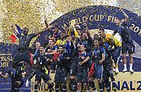 FUSSBALL  WM 2018  FINALE  ------- Frankreich - Kroatien    15.07.2018 Frankreich bejubelt den WM Sieg und stellt sich zum Gruppenfoto auf