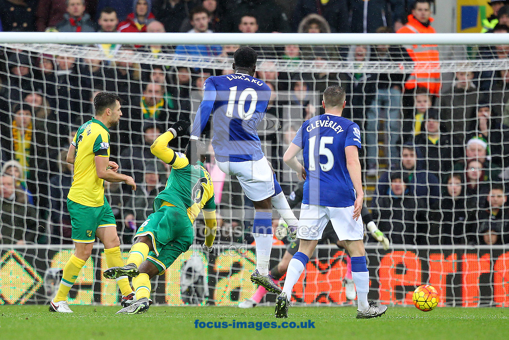 Romelu Lukaku of Everton has a shot on goal during the Barclays Premier League match at Carrow Road, Norwich<br /> Picture by Paul Chesterton/Focus Images Ltd +44 7904 640267<br /> 12/12/2015