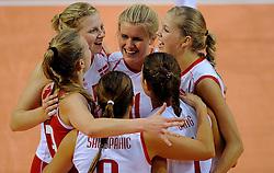 07-09-2012 VOLLEYBAL: EK KWALIFICATIE VROUWEN NEDERLAND - DENEMARKEN : APELDOORN<br /> Nederland wint vrij eenvoudig met 3-0 van Denemarken / Vreugde bij Denemaken<br /> ©2012-FotoHoogendoorn.nl