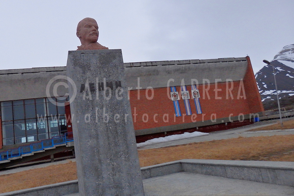 Alberto Carrera, Nothernmost Statue of Lenin, Sport Center, Ancient Remains, Pyramiden, Soviet Ghost Town, Arctic Russian Old Settlement, Billefjord, Arctic, Spitsbergen, Svalbard, Norway, Europe