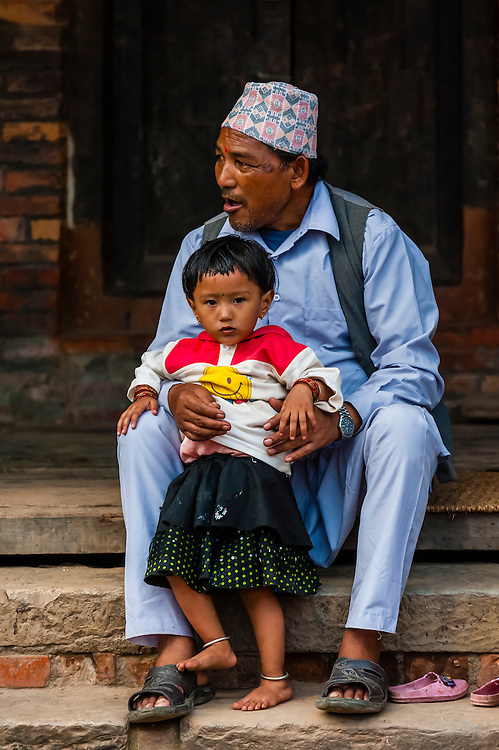 Father and daughter, near the Jetha Ganesh Temple, Bhaktapur, Nepal.