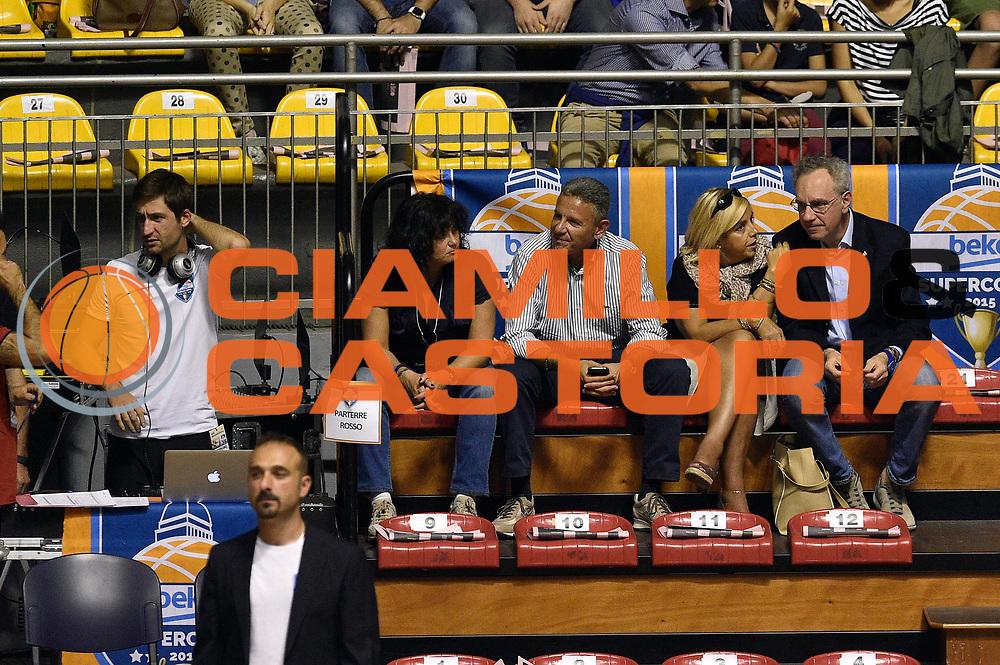 DESCRIZIONE : Supercoppa 2015 Semifinale Banco di Sardegna Sassari - Grissin Bon Reggio Emilia<br /> GIOCATORE : tifosi<br /> CATEGORIA : tifosi vip<br /> SQUADRA : tifosi<br /> EVENTO : Supercoppa 2015<br /> GARA : Banco di Sardegna Sassari - Grissin Bon Reggio Emilia<br /> DATA : 26/09/2015<br /> SPORT : Pallacanestro <br /> AUTORE : Agenzia Ciamillo-Castoria/GiulioCiamillo