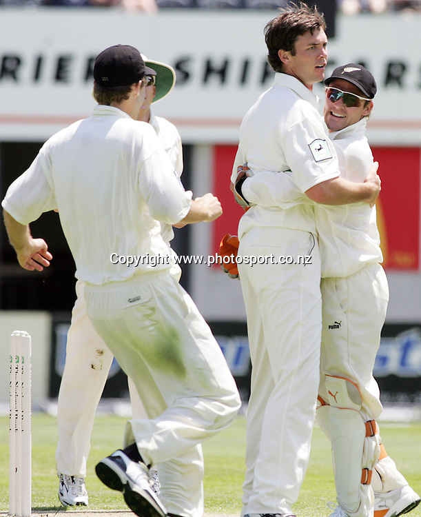 New Zealand bowler James Franklin celebrates after bowling Chamara Kapugedera out lbw for 37 runs on day one of the first cricket test match between the New Zealand Black Caps and Sri Lanka at Jade Stadium, Christchurch, New Zealand on Thursday 7 December 2006. The Black Caps bowled Sri Lanka out for 154 runs and are 85/2 at the end of play on day one. Photo: Hannah Johnston/PHOTOSPORT<br />