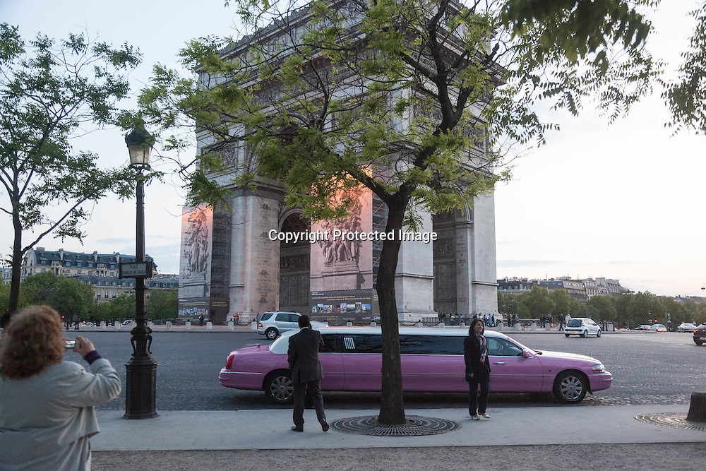 France. Paris. 8th district. arc de triomphe, place de l'etoile ,