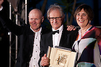 Ken Loach, Rebecca O'Brien, Paul Laverty with the award Palme D'or  for I, Daniel Blake at the Palm D'Or Winners photocall at the 69th Cannes Film Festival Sunday 22nd May 2016, Cannes, France. Photography: Doreen Kennedy