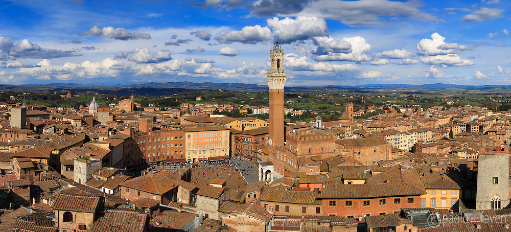 "A comprehensive view of the historical centre of Siena as seen from the ""Facciatone"", the unfinished facade of what should have been the biggest cathedral in the world."