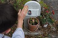 Anzio (Roma), 22/04/2014: lapide sulla via Nettunense in memoria di un incidente mortale - grave along the street in memory of a fatal car accident.