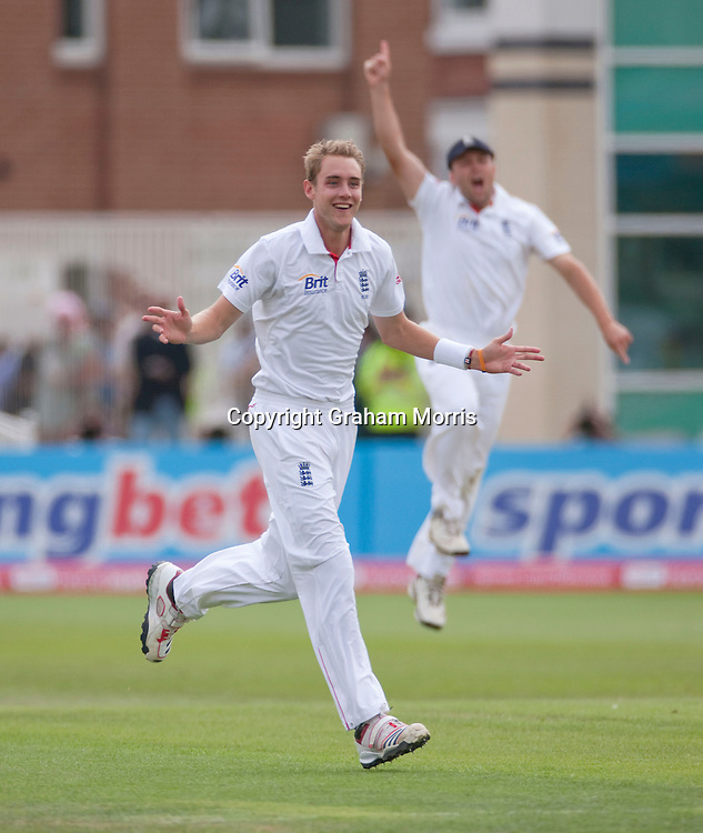 Sachin Tendulkar out to Stuart Broad (celebrating) during the second npower Test Match between England and India at Trent Bridge, Nottingham.  Photo: Graham Morris (Tel: +44(0)20 8969 4192 Email: sales@cricketpix.com) 30/07/11