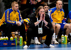 15.01.2011, Göteborg, SWE, IHF Handball Weltmeisterschaft 2011, Herren, Slowakei vs Schweden im Bild, // Sweden Coach Staffan Olsson gestures // during the IHF 2011 World Men's Handball Championship match Slovakia vs Sweden at Göteborg. EXPA Pictures © 2010, PhotoCredit: EXPA/ Skycam/ Per Friske +++ATTENTION+++ out of Sweden (SWE)