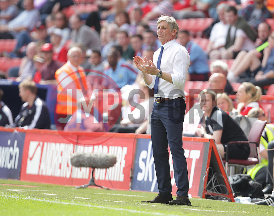 Charlton Athletic Manager Jose Riga - Mandatory by-line: Paul Terry/JMP - 07/05/2016 - FOOTBALL - The Valley - London, England - Charlton Athletic v Burnley - Sky Bet Championship