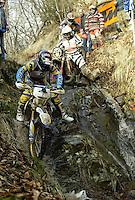 Castelvecchio Pascoli , 100207 , Extremenduro Hellsgate  In jedem Fruehjahr wird in Italien das haerteste Endurorennen der Welt veranstaltet. Es heisst -Hellsgate-.  Im Foto: vorne faehrt Paul EDMONDSON (Honda , GBR)