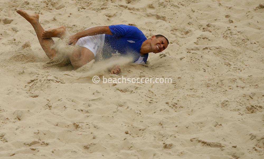 Football-FIFA Beach Soccer World Cup 2006 - Group A-Brasil - Poland, Beachsoccer World Cup 2006. Brasil`s Buru  - Rio de Janeiro - Brazil 03/11/2006 <br /> Mandatory credit: FIFA/ Manuel Queimadelos