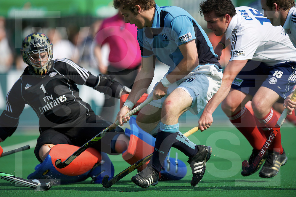 BLOEMENDAAL - EHL HOCKEY 2010/2011.East Grinstead HC vs Reading HC.foto: goalkeeper Richard Potton save on Chris Newman..FFU PRESS AGENCY COPYRIGHT FRANK UIJLENBROEK