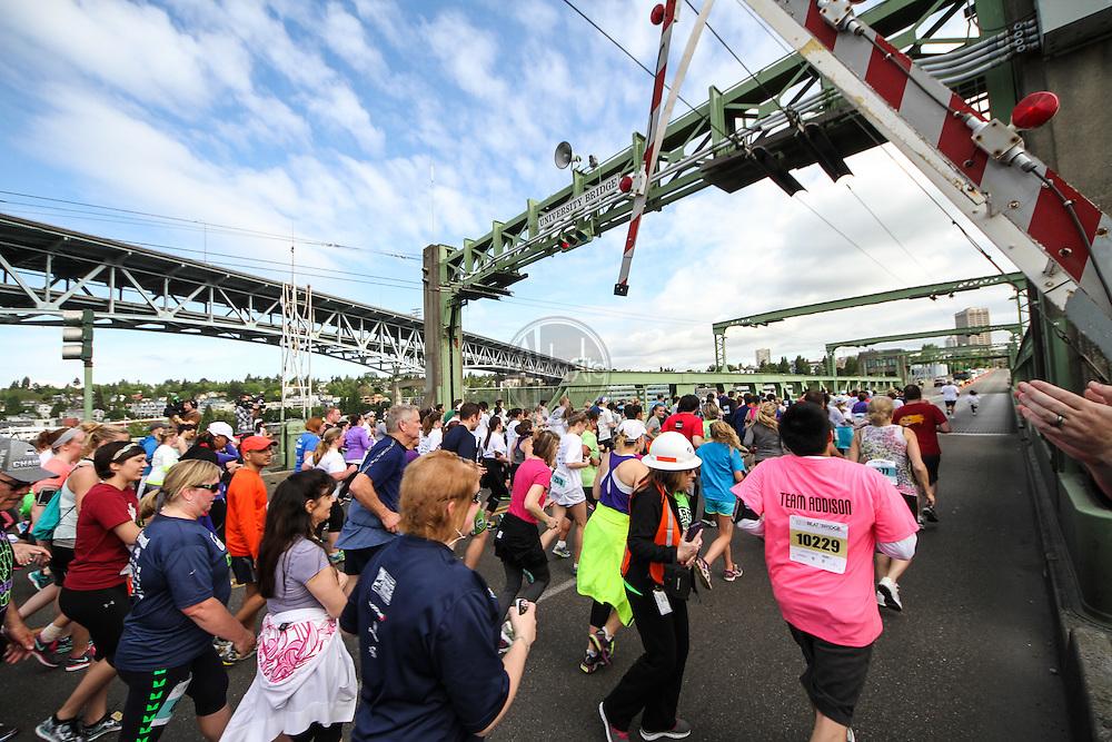 Nordstrom 2014 Beat The Bridge Run benefitting JDRF..