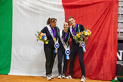 LUPACCHINI Lorenzo (ITA), STOPAZZINI Silvia (ITA), CARNABUCI Laura (Longenführer)<br /> Tryon - FEI World Equestrian Games™ 2018<br /> Siegerehrung / Medaillenvergabe<br /> Voltigieren Kür/Freestyle Pas de Deux Finale<br /> 20. September 2018<br /> © www.sportfotos-lafrentz.de/Stefan Lafrentz