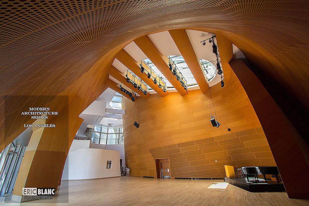 Architect: Frank Gehry<br /> Walt Disney Music Hall- Filarmonica de Los Angeles