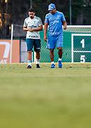 31.05.2018 - SÃO PAULO, SP - O jogador Jean (E) fala com o tecnico Roger Machado, do Palmeiras, durante treino na Academia de Futebol da Barra Funda, na Zona Oeste da capital paulista na tarde desta quinta-feira 31. ( Foto: Marcelo D. Sants / FramePhoto )