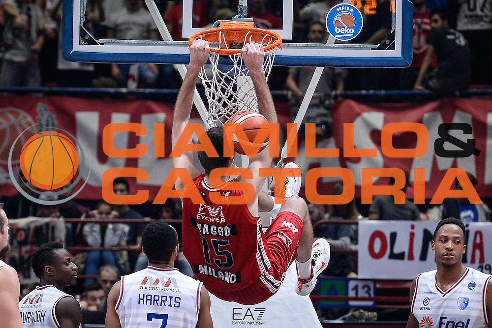DESCRIZIONE : Milano Lega A 2015-16 <br /> GIOCATORE : Daniele Magro<br /> CATEGORIA : Schiacciata<br /> SQUADRA : Olimpia EA7 Emporio Armani Milano<br /> EVENTO : Campionato Lega A 2015-2016<br /> GARA : Olimpia EA7 Emporio Armani Milano Enel Brindisi<br /> DATA : 20/12/2015<br /> SPORT : Pallacanestro<br /> AUTORE : Agenzia Ciamillo-Castoria/M.Ozbot<br /> Galleria : Lega Basket A 2015-2016 <br /> Fotonotizia: Milano Lega A 2015-16