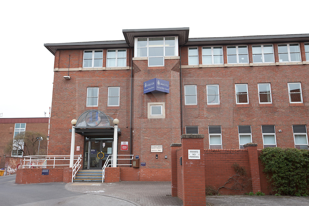 © Licensed to London News Pictures. 07/04/2013.Worksop, UK. Worksop Police Station. .Four teenagers have been arrested in connection with the death of a 40-year-old man in Worksop town centre on Saturday night (6 April 2013)..It follows reports of an assault at around 7.30pm in Bridge Street, near its junction with Central Avenue and Ryton Street..The victim was taken to Bassetlaw District Hospital where he was pronounced dead..A murder inquiry is now underway. Formal identification of the victim has yet to take place and a post-mortem examination is due to be conducted to establish the cause of death. Four boys, three aged 15 and one aged 16, remain in custody where they will be questioned by officers today (Sunday 7 April 2013). A cordon is in place at the scene while forensic enquiries are carried out.    Photo credit : Tom Maddick/LNP