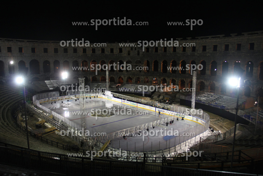 11.09.2012, Amphitheater, Pula, CRO, EBEL, Arena Ice Fever MMXII, im Bild Aufbauarbeiten zum Arena Ice Fever - Pula MMXII. Fertigstellung der Eisflaeche // Work for Arena Ice Fever - Pula MMXII. Completion of the ice surface, Amphitheater, Pula, Croatia on 2012/09/11. EXPA/ Pixsell/ Dusko Marusic ***** ATTENTION - OUT OF CRO, SRB, MAZ, BIH and POL *****