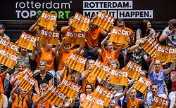 26-08-2017 NED: World Qualifications Bulgaria - Netherlands, Rotterdam<br /> De Nederlandse volleybalsters hebben in Rotterdam het kwalificatietoernooi voor het WK van volgend jaar in Japan ongeslagen afgesloten. Oranje was in z'n laatste wedstrijd met 3-0 te sterk voor Bulgarije: 25-21, 25-17, 25-23. / Block boards publiek