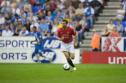 WIGAN, ENGLAND - Sunday, May 11, 2008: Manchester United's Ryan Giggs in action against Wigan Athletic during the final Premiership match of the season at the JJB Stadium. (Photo by David Rawcliffe/Propaganda)
