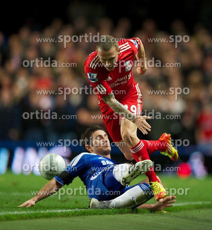 29.11.2011, Stamford Bridge, London, ENG, PL, viertelfinale, FC Liverpool vs Chelsea FC, im Bild Liverpool's Craig Bellamy in action against Chelsea's captain Frank Lampard during the football match of English Football League Cup, Quarter-Final, between FC Liverpool and Chelsea FC at Stamford Bridge Stadium, London, United Kingdom on 2011/11/29. EXPA Pictures © 2011, PhotoCredit: EXPA/ Sportida/ David Rawcliff..***** ATTENTION - OUT OF ENG, GBR, UK *****
