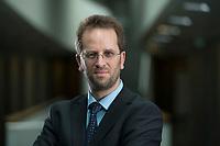 11 APR 2014, BERLIN/GERMANY:<br /> Klaus Mueller, Vorsitzender Verbraucherzentrale Bundesverband e.V., vzbv<br /> IMAGE: 20140411-01-085<br /> KEYWORDS: Klaus Müller