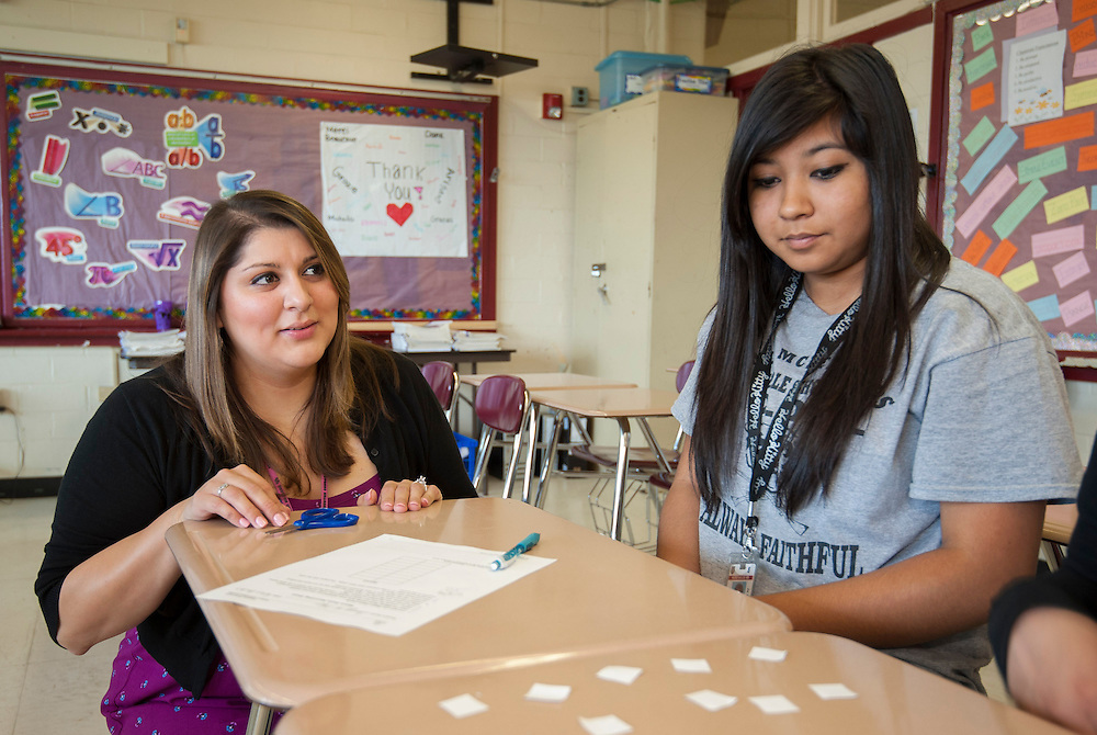 Vanessa Saldaña teaches math to 8th graders at McReynolds Middle School, April 26, 2013.
