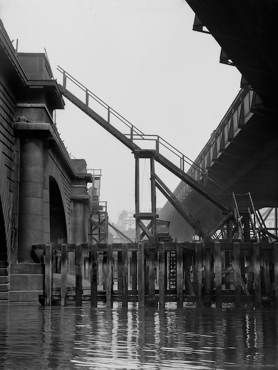 Waterloo Bridge, London, England, 1933