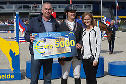 Kuipers Doron, (NED), Kerswin van't Roosakker with breeder Marc Kluskens<br /> Final 5 years old horses<br /> FEI World Breeding Jumping Championship <br /> Lanaken - Zangersheide 2015<br /> © Hippo Foto - Dirk Caremans<br /> 20/09/15