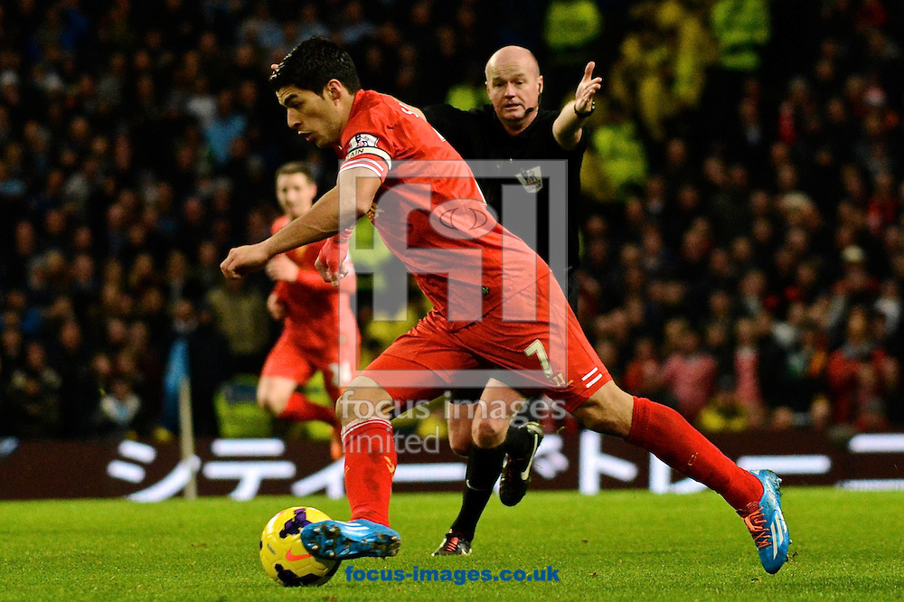 Picture by Ian Wadkins/Focus Images Ltd +44 7877 568959<br /> 26/12/2013<br /> Luis Su&aacute;rez of Liverpool during the Barclays Premier League match at the Etihad Stadium, Manchester.