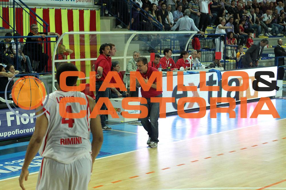 DESCRIZIONE : Frosinone Lega Basket A2 2010-2011 Playoff quarti gara 4 Prima Veroli Immobiliare Spiga Rimini<br /> GIOCATORE : Demis Cavina        <br /> SQUADRA : Prima Veroli  <br /> EVENTO : Campionato Lega Basket A2 2010-2011<br /> GARA : Prima Veroli Immobiliare Spiga Rimini <br /> DATA : 20/05/2011<br /> CATEGORIA : protesta        <br /> SPORT : Pallacanestro  <br /> AUTORE : Agenzia Ciamillo-Castoria/A.Ciucci<br /> Galleria : Lega Baket A2 2010-2011<br /> Fotonotizia : Frosinone  Lega Basket A2 2010-2011 Playoff quarti gara 4 Prima Veroli Spiga Immobiliare Rimini <br /> Predefinita :