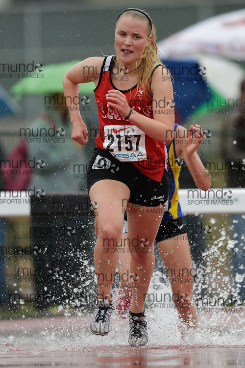 Annelise Martin of The Woodlands SS - Mississauga competes at the 2013 OFSAA Track and Field Championship in Oshawa Ontario, Thursday,  June 6, 2013.<br /> Mundo Sport Images/ Geoff Robins