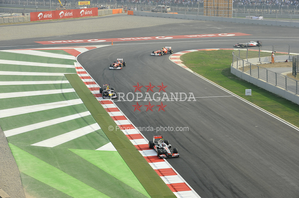 30.10.2011, Jaypee-Circuit, Noida, IND, F1, Grosser Preis von Indien, Noida, im Bild Jenson Button (GBR),  McLaren F1 Team  - Mark Webber (AUS), Red Bull Racing - Fernando Alonso (ESP),  Scuderia Ferrari - Felipe Massa (BRA), Scuderia Ferrari // during the Formula One Championships 2011 Large price of India held at the Jaypee-Circui 2011-10-30  Foto © nph / Dieter Mathis